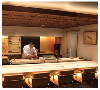 鹿児島 参玄 職人の「作品」を彩る白木の一枚板が美しいカウンター席